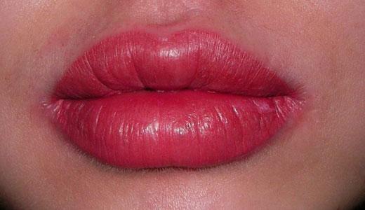 увеличение губ татуажем