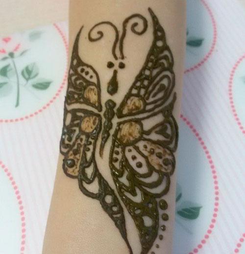 Мехенди бабочка на руке