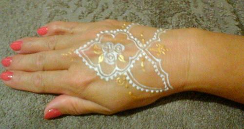 Золотые переводные татуировки фото