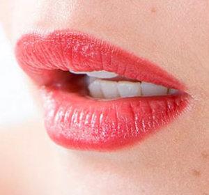 Ацикловир – лучшая профилактика безболезненного татуажа губ