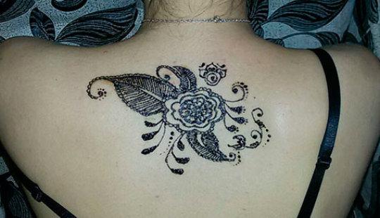 Татуировки хной для девушек: примеры и эскизы
