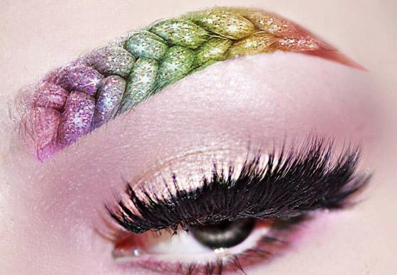 цветные брови косичкой