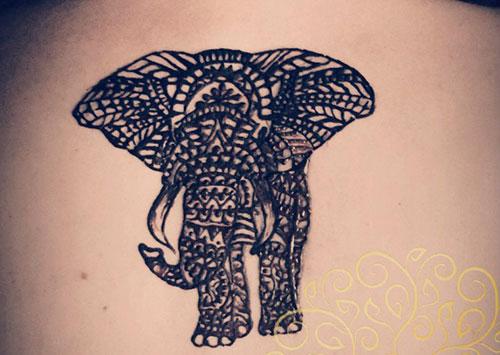 мехенди слон на спине