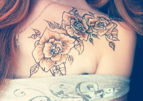 рисунок мехенди на груди и плече