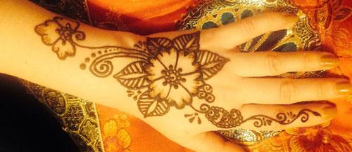 мехенди цветы значение на руке