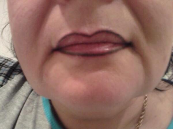 некачественный татуаж губ