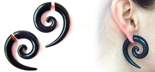 имитация пирсинга уха